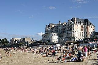Saint-Lunaire Commune in Brittany, France