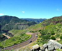 State route 77 in the salt river canyon, arizona.jpg