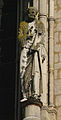 Statue de Saint Pierre Basilique Reims 130208.jpg