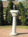 Statue of Stephen I of Hungary in Elek.jpg
