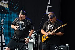 Suicidal Tendencies - Elbriot 2018 03.jpg