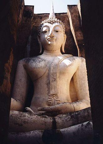 Thai temple art and architecture - Wat Si Chum, Sukhothai Historical Park