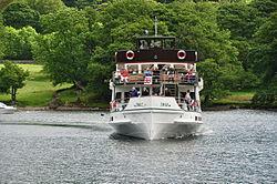 Swan (on Windermere (6641).jpg