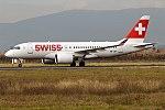 Swiss, HB-JBF, Bombardier CS100 (40137897651).jpg