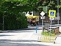 Třeboň, Jiráskova, silniční vláček odbočil do ulice Na Sadech.jpg