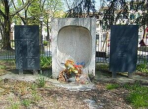 Piazza Tasso massacre - Monument in Piazza Tasso.