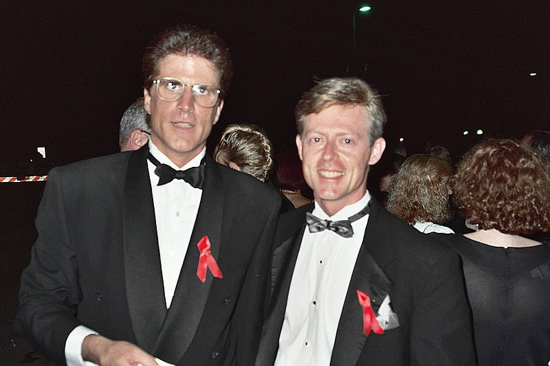 File:Ted Danson and me (255231117).jpg