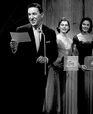 The Big Surprise - Mike Wallace with Sue Oakland and Mary Gardiner, 1956.