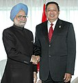 The Prime Minister, Dr. Manmohan Singh meeting with the President of Indonesia, Mr. Susilo Bambang Yudhoyono, at Hokkaido, Japan on July 09, 2008.jpg