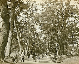 Tōkaidō (road) - Tōkaidō, photographed by Felice Beato in 1865.