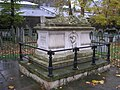 Tomb of John Bunyan, Bunhill Fields, London - geograph.org.uk - 1036859.jpg