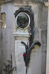 Tombe de Alphonse Daudet (cimetière du Père Lachaise).JPG