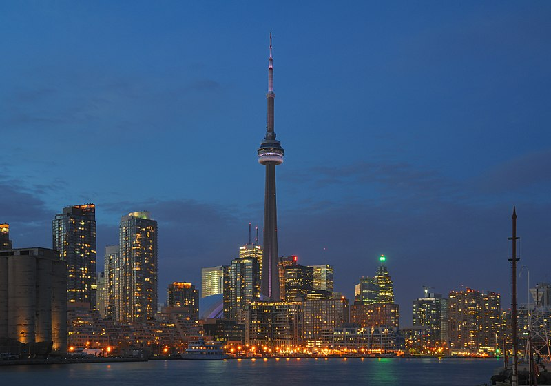 File:Toronto - ON - Skyline bei Nacht.jpg
