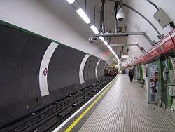 Tottenham Court Road (stanice metra v Londýně)