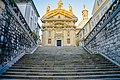 Treppen zur Mausoleumkirche zur goldenen Stunde.jpg