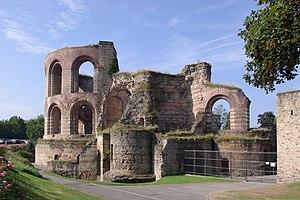 Trier Imperial Baths - Image: Trier Kaiserthermen BW 3