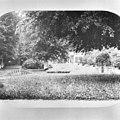 Tuin achterzijde ca.1875, reproductie uit fotoalbum - 's-Graveland - 20084397 - RCE.jpg