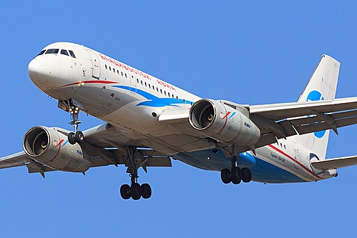 Tupolev Tu-204-300 of Vladivostok Air landing at Vladivostok Airport (8584616447)
