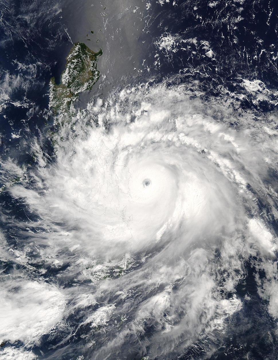 Typhoon Nida 16 may 2004 0500Z
