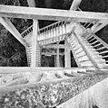 UItkijktoren, overzicht trappenstelsel, van boven naar beneden - Oranjewoud - 20345909 - RCE.jpg