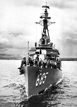 USS Picking - Picking off Oahu, 1963.