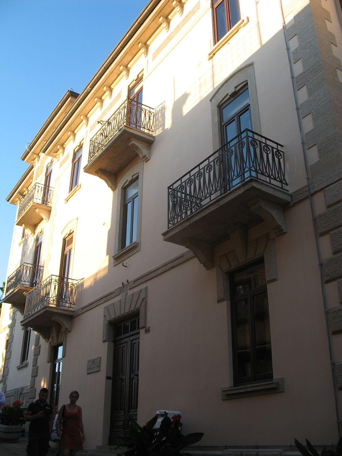 University of the Republic of San Marino - Wikipedia