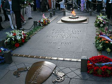The Tomb of the Unknown Soldier, Paris Unknown sodier.JPG