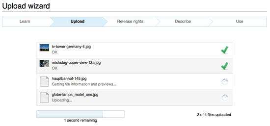 Screenshot o Upload Wizard uploadin multiple files
