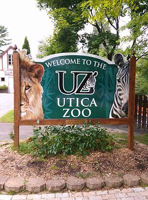 Utica Zoo - Utica Zoo welcome sign