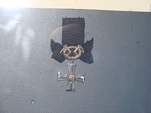 Order of the Cross of Liberty - Image: VR Mourning Cross