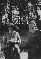 Virginia Stephen with Katherine Cox at Asham in 1912