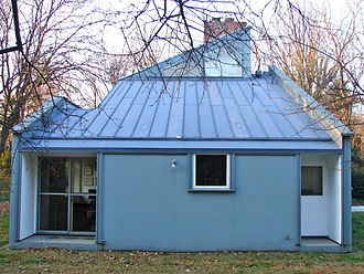 Vanna Venturi House - View from the side (south-east)