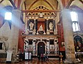 Venezia Basilica Santa Maria Gloriosa dei Frari Innen Denkmal des Dogen Giovanni Pesaro 2.jpg
