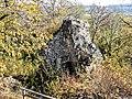 Vestiges de la tour sud du château médiéval, vus de la Vierge.jpg