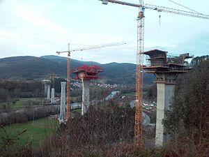 Autovía A-63 - Construction of the viaduct over Narcea river.