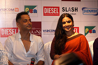 Kahaani -  alt= Vidya Balan (on right) and Sujoy Ghosh(on left)