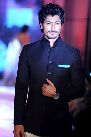 Vidyut Jammwal - Jammwal ramp walking for a fashion show in 2012