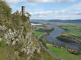 View east from Kinnoull Hill (geograph 5350107).jpg