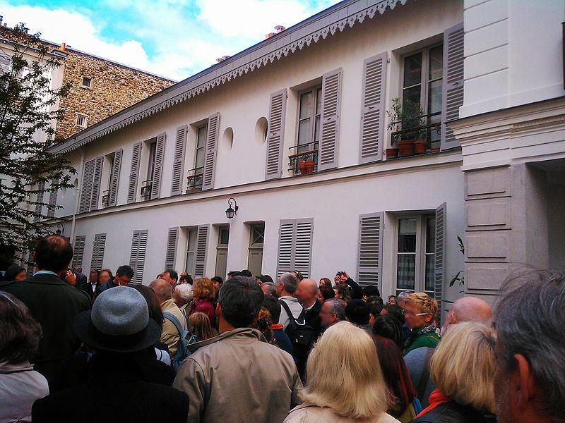 File:Villa-des-arts-journees-du-patrimoine-floute.jpg