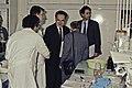 Visite de Mr Bichat et du secrétaire d'état à la recherche à l'INRA de Versailles-22-cliche Jean Weber.jpg