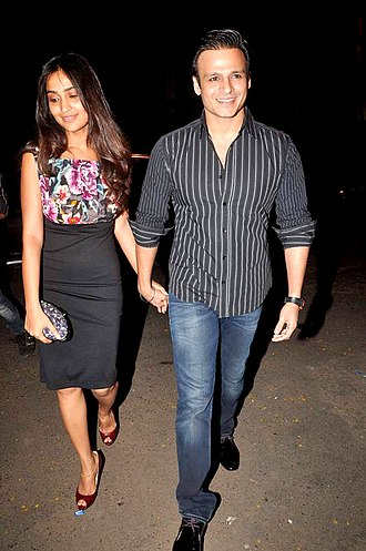 Vivek Oberoi - Oberoi with his wife Priyanka, in 2012