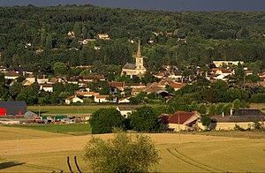 Vouneuil-sur-Vienne - The church and surrounding buildings in Vouneuil-sur-Vienne
