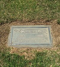 Wallace Beery Grave.JPG