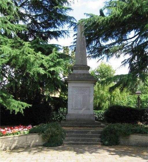 War Memorial, Public Gardens, Bocking End, Braintree, Essex - geograph.org.uk - 1411125