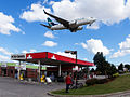 WestJet Boeing 737-700 on finals into Toronto.jpg