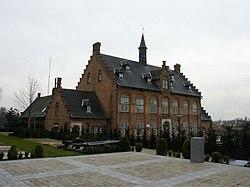 Westrozebeke, voormalig gemeentehuis.jpg