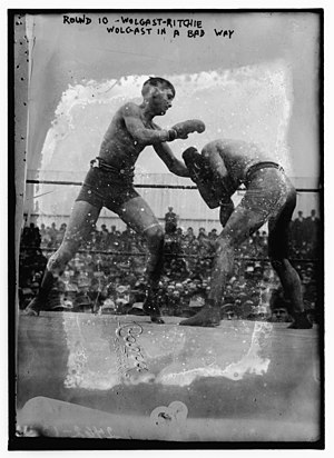 Willie Ritchie - Ritchie (left) in his title fight against Ad Wolgast, 1912.