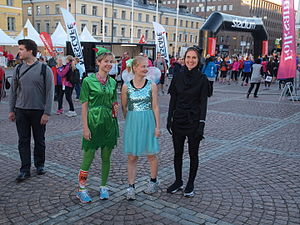Midnattsloppet - Although most of the participants run in plain clothes, running in fancy dress costumes is common at Midnattsloppet.
