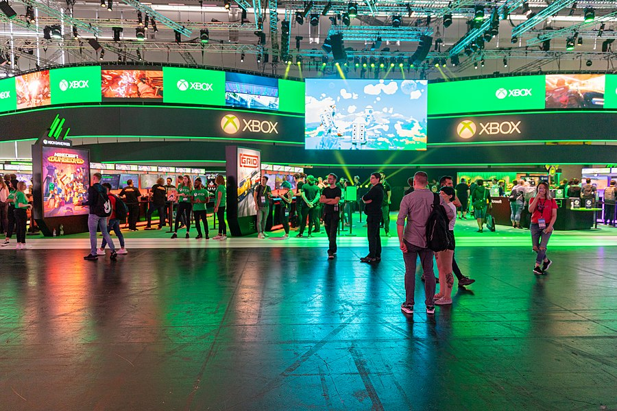 Xbox fair stand Gamescom 2019 (48605721741).jpg