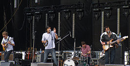 Young the Giant at Sasquatch 2011.jpg
